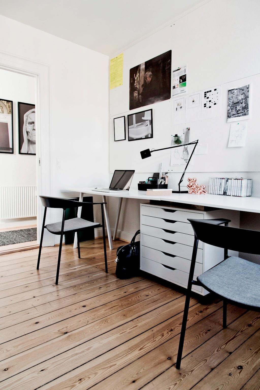 Lerche design   spisebordsstole, barstole og skamler